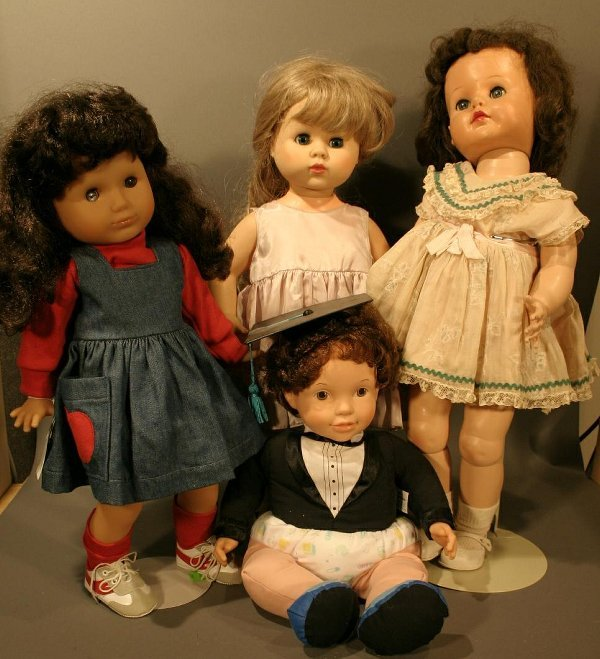 """612: Lot of four plastic dolls, including Ideal """"Posie"""""""