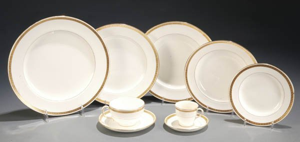 123: 87-piece bone china by Minton, England.