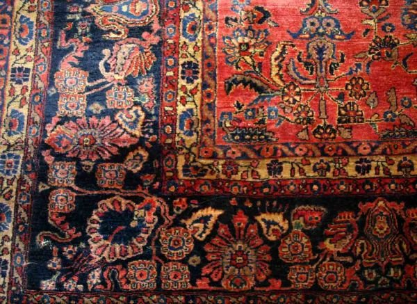 307: Persian Sarouk carpet. c.1950. 12' x 18'.