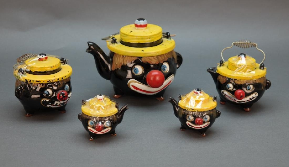 5-piece set: Teapot, 2 sugar bowls, salt, pepper.