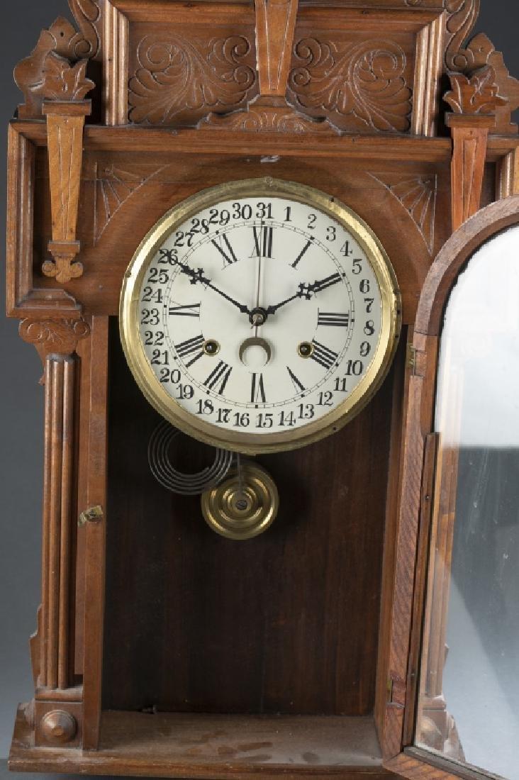 Wooden mantle clock. - 3