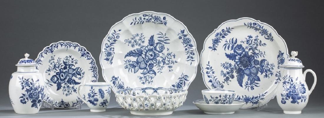 9 English Worcester porcelain pieces.