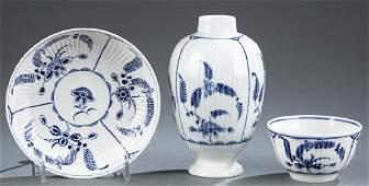 3 Worcester porcelain pieces.