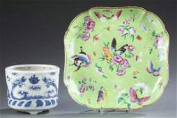 2 Chinese porcelain pieces.