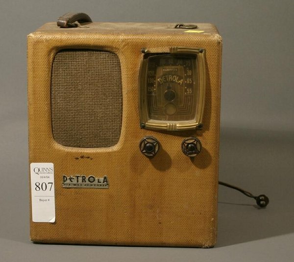 807: Lot of 3 portable vintage radios;  Airline 14BR-S2