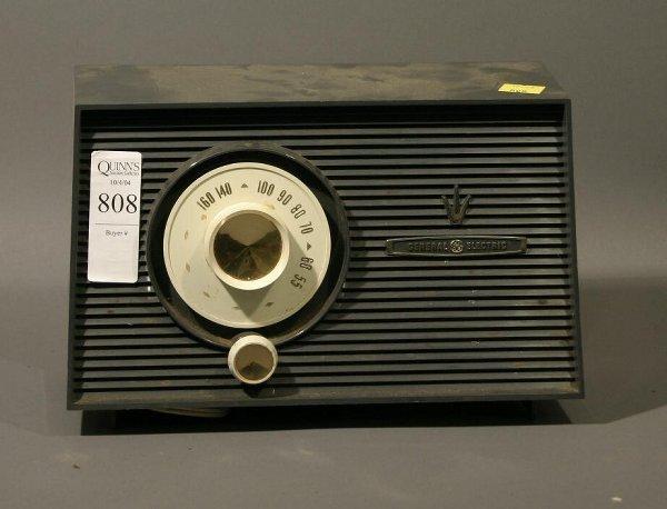 808: Lot of 4 portable vintage radios; 2 General electr