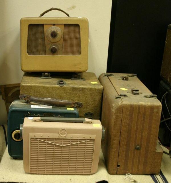 809: Lot of 5 vintage portable radios; Pink RCA 8 BX-5F