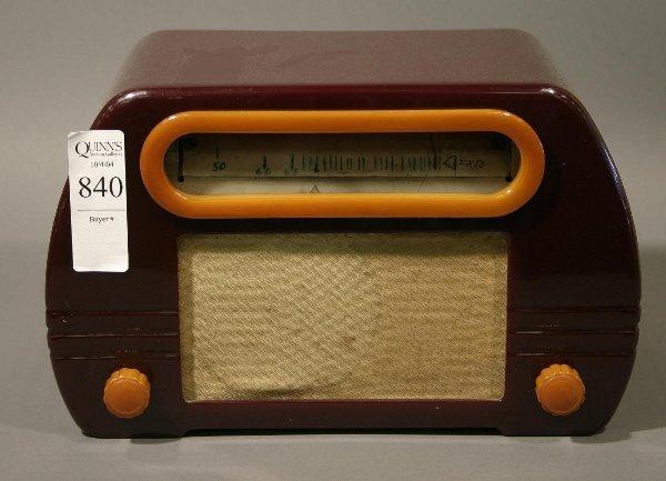 840: Fada 652 catlin table radio