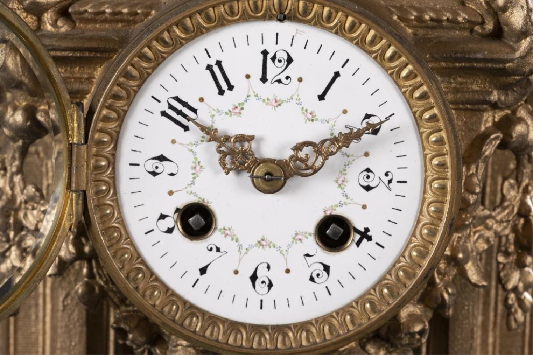Bronze & Porcelain Mantel Clock, 19th century. - 5