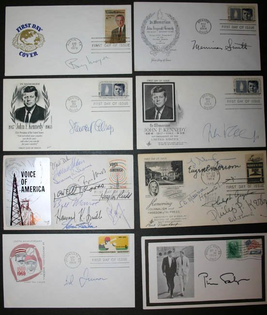 1021: 7 programs & 12 envelopes signed by journalists