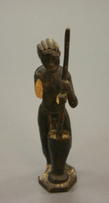 4002: Group of 2 Afican carved statues of woman