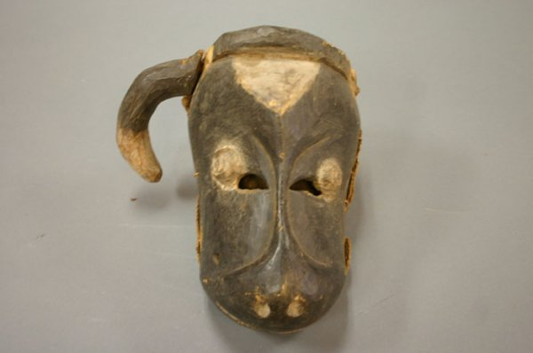 4003: African carved wood mask cow Baule?