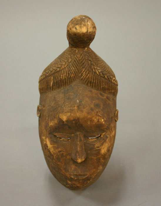 4009: West African wood mask with top knot