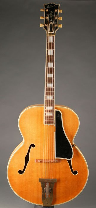 143: American Gibson ''L-5'' arch-top acoustic guitar