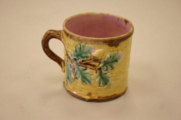 3004: Etruscan Majolica acorn mug. Griffon, Smith &