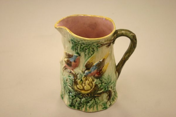 3005: Continental Majolica Birds & nest pitcher. Eg