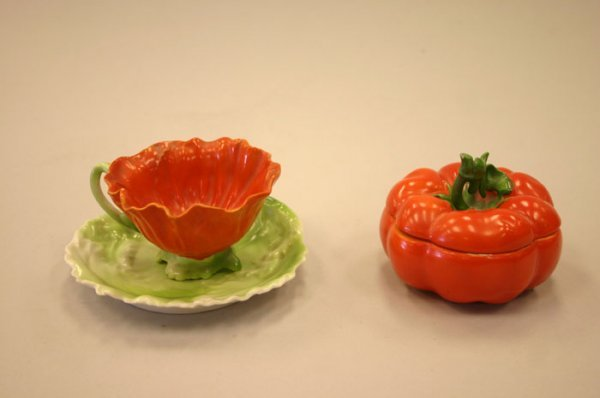3009: Royal Bayreuth Bavarian ''Tomato'' pattern li