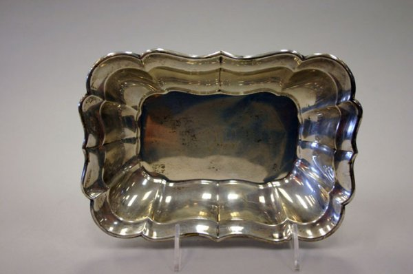 3017: Reed & Barton sterling silver serving dish. M