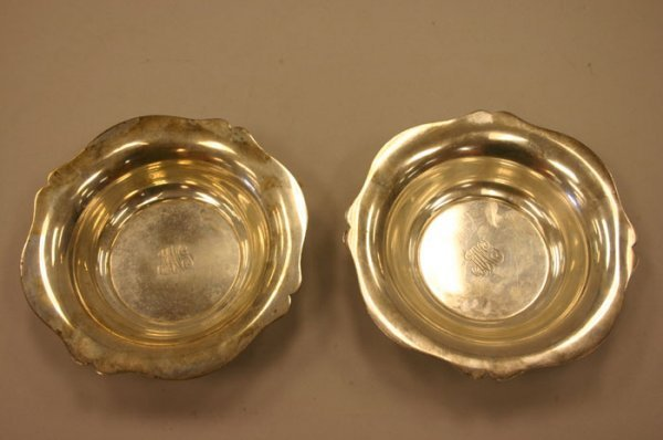 3018: Lot of 2 R. Wallace & Sons sterling dishes Ma