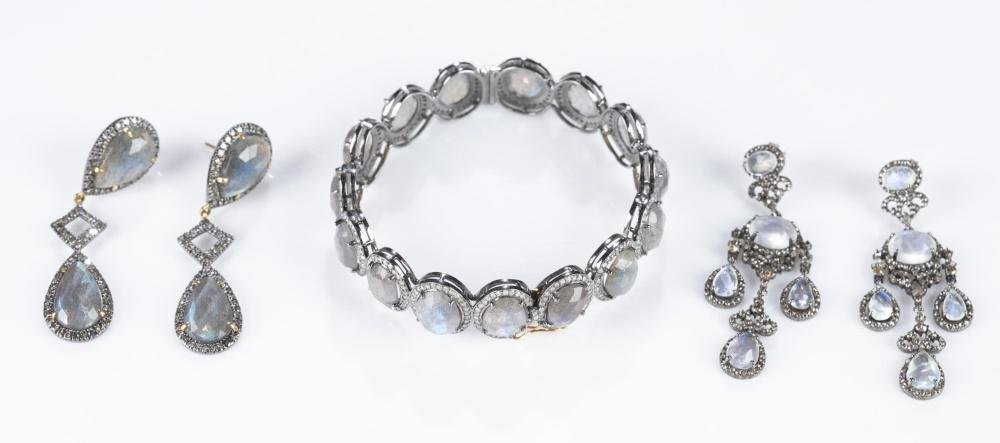 3 Pieces of jewelry with moonstones and diamonds.