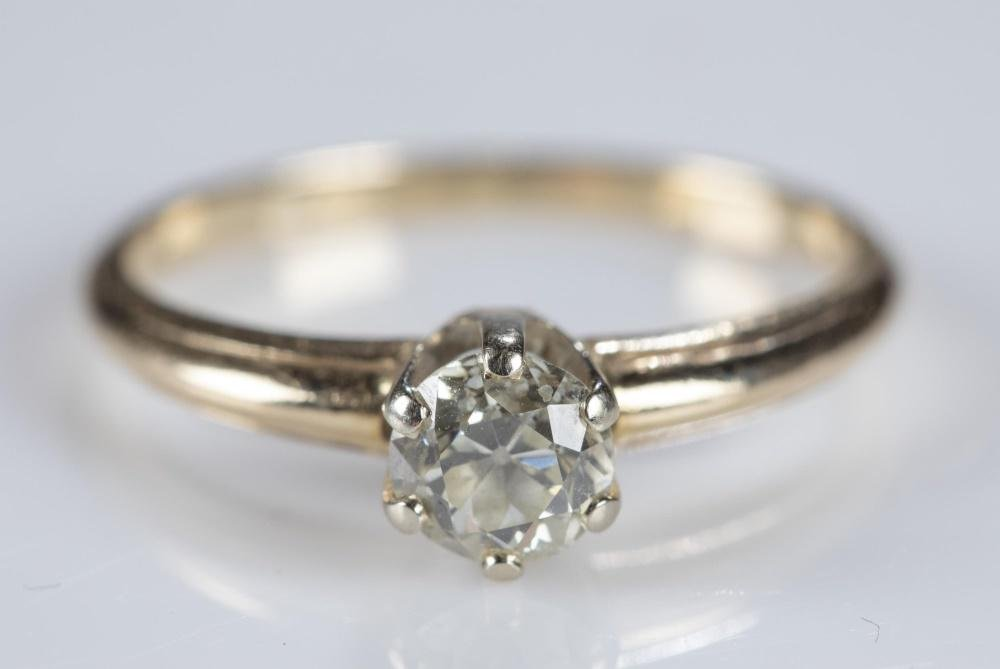 0.55ct Solitaire diamond 14k gold ring.