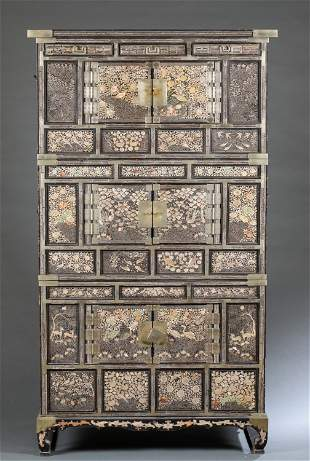 Chinese lacquer wedding cabinet, early 19th C.