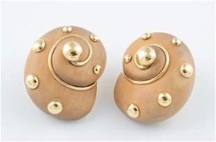 Verdura 18k wood shell earrings.