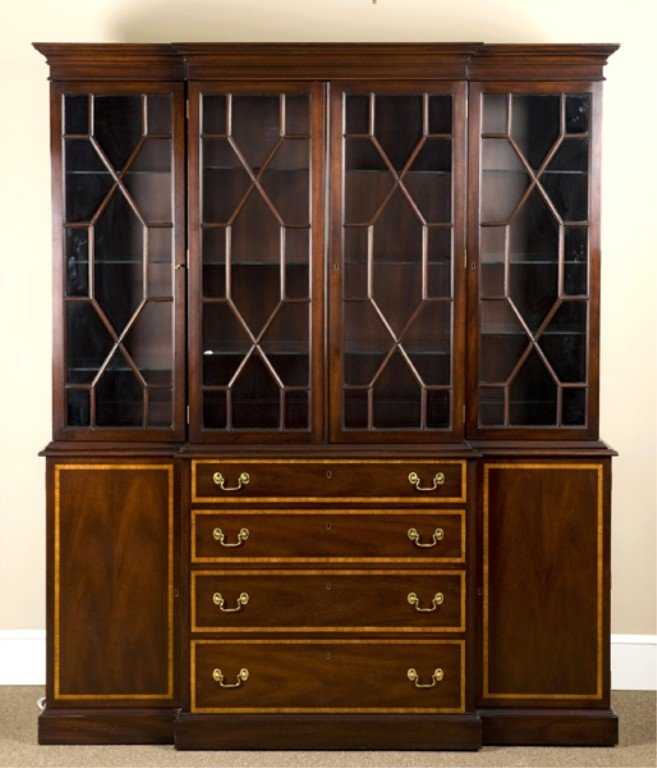 20: Kittinger Richmond Collection China cabinet.