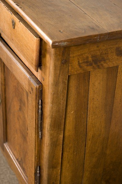 38A: Late 19th/early 20C pine cabinet. - 3