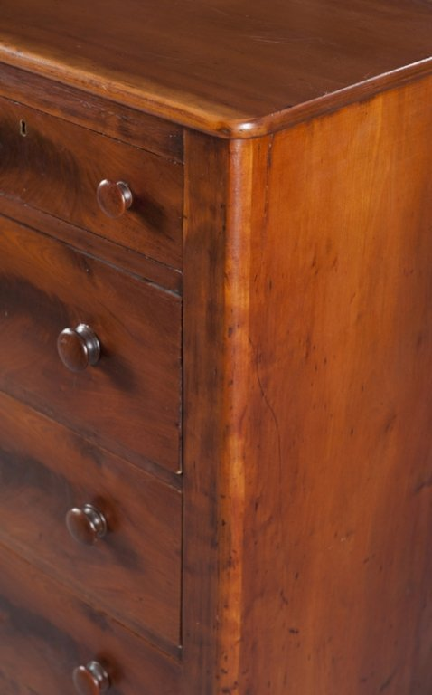 4: Federal style  5 drawer mahogany dresser. - 3