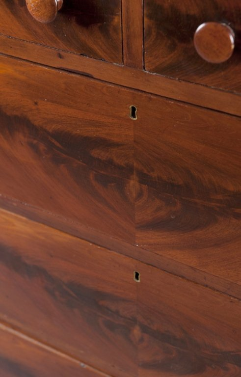 4: Federal style  5 drawer mahogany dresser. - 4