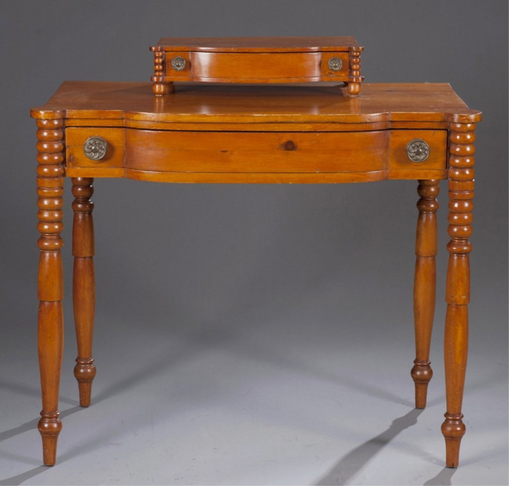 7: American Federal Pine Dressing Table.