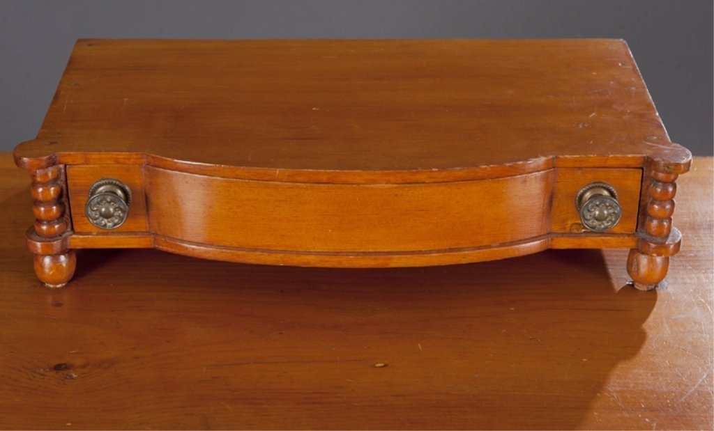 7: American Federal Pine Dressing Table. - 4