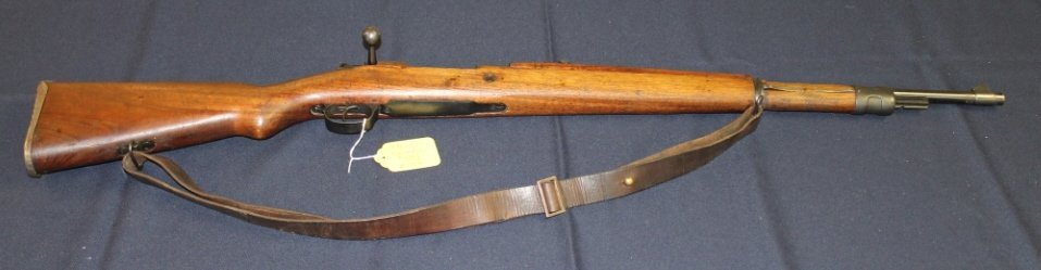 16: Columbian Mauser Model 1950 short rifle. 30 cal wit