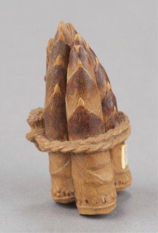 191: A wood netsuke of 5 bamboo shoots. - 3