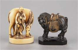 442 A group of two netsuke various materials