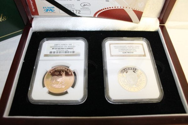 2009 Krugerrand Launch 2-coin set w/ gold.