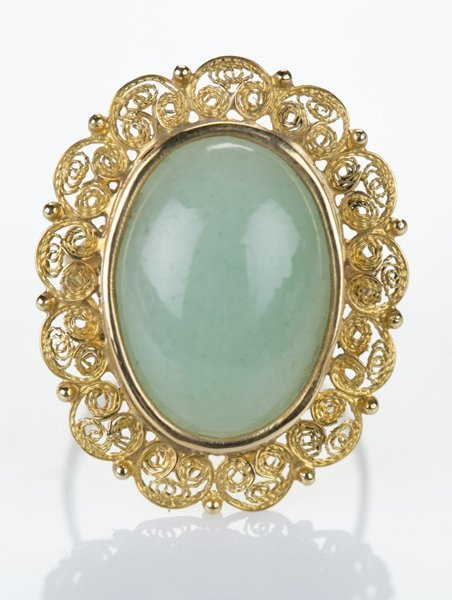 Pale jade and 18 KT yellow gold ring w/ filligree