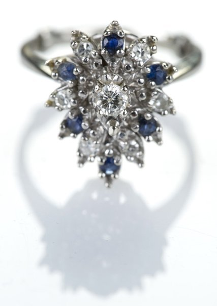 Sapphire and diamond cluster ring w/ 14KT gold