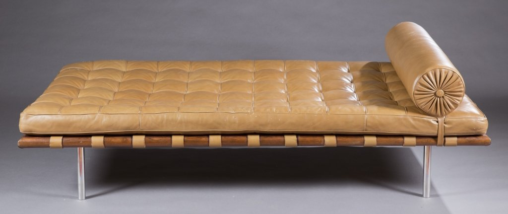 A Barcelona day bed.