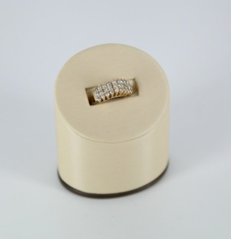 1.08ct three row diamond and 14kt gold ring.