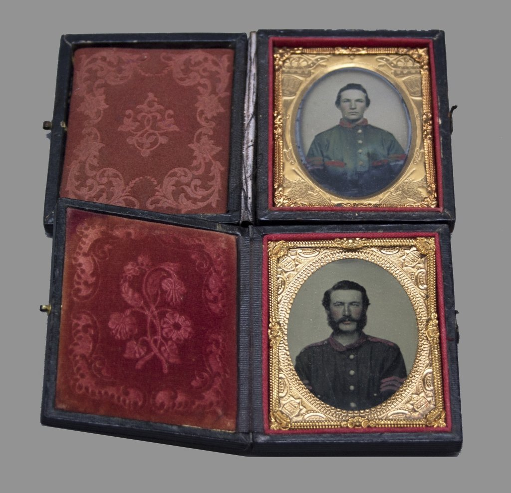 2 ambrotypes of Union soldiers.