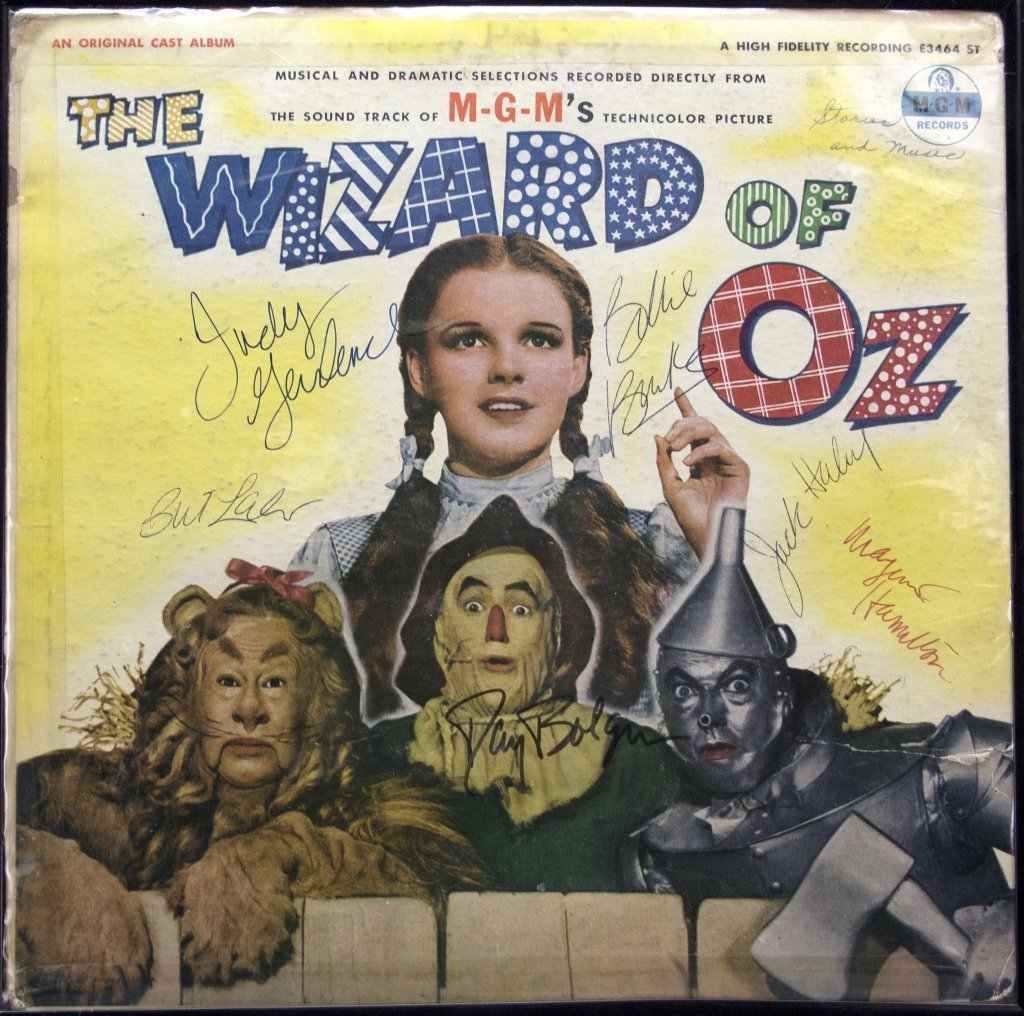 Signed by 6 actors: THE WIZARD OF OZ record album