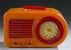"""Fada Model 100 """"Bullet"""" tabletop catalin radio."""
