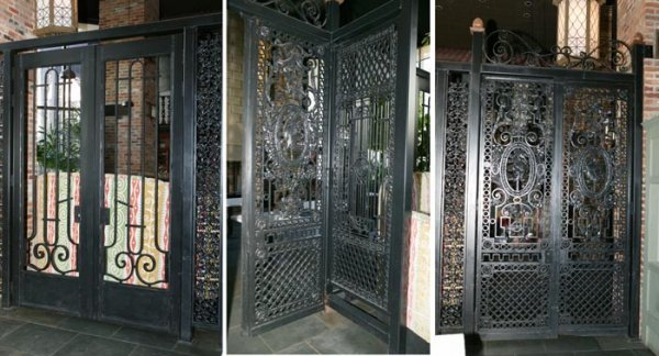3518: Set of wrought iron Louis XVI style gates, set of