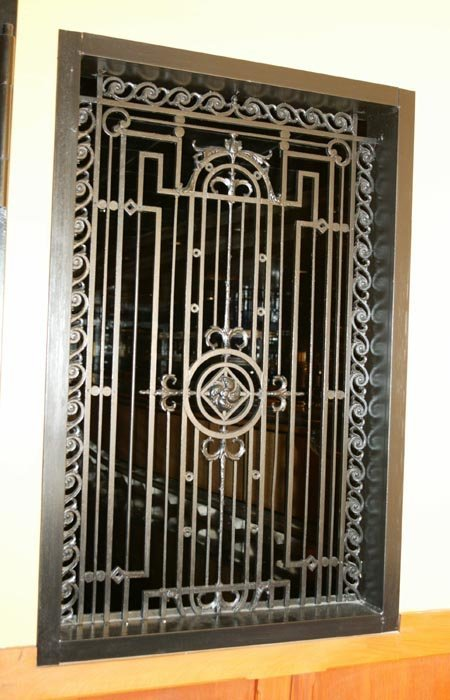 3520: Wrought iron panl with geometric designs, center
