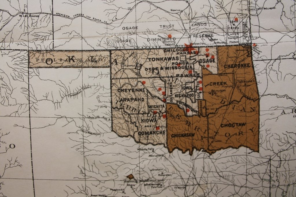 7 folding maps: Indian Reservations (1892)-1920. - 4
