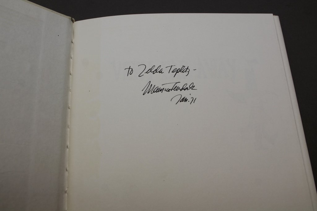 3 signed books: Maurice Sendak. - 5