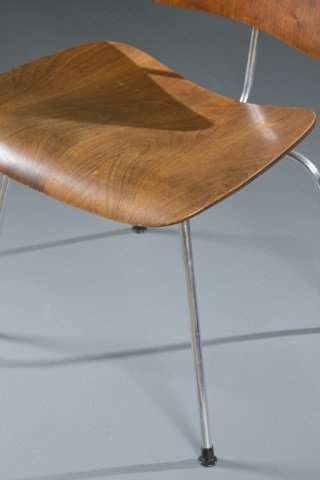 Eames DCM chair for Herman Miller. - 2