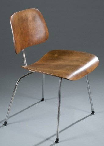Eames DCM chair for Herman Miller. - 4